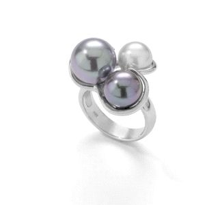 Anillo de plata con perlas tricolor