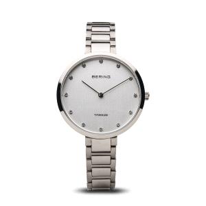 Reloj mujer Titanium de plata pulido