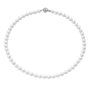 Collar clásico de perlas blancas