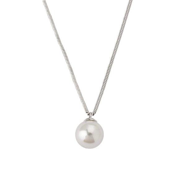 Colgante con perla blanca y cadena de plata