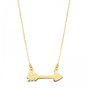 Gargantilla en oro amarillo de 18 ktes formada por cadena de eslabones tipo forzada y flecha de cupido plana
