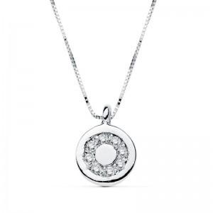 Colgante en forma circular en oro blanco 18kts con con circonitas y cadena veneciana