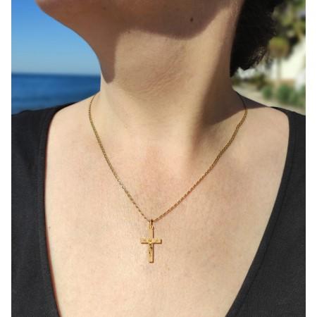 Cruz de 23mm con Cristo Oro 18kt con palos rectangulares