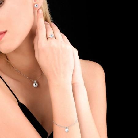 Colgante encadenado de perla y diamante