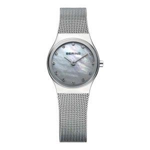 Reloj Mujer Classic de acero esfera nacar