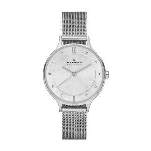 Reloj Mujer Anita plateado de milanesa